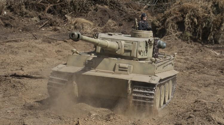 Tigre I avanzando