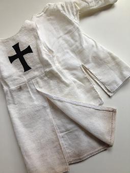 Sobreveste y camisa